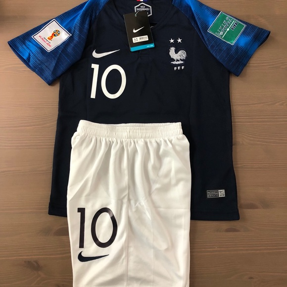 the best attitude e9cb8 5949f Kids kit Home France Mbappe #10 Soccer Jerseys NWT